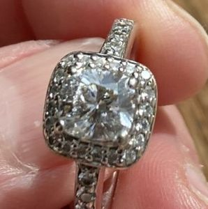 1.11ct diamond ring